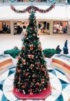 Julgran Giant Tree 4,4-12,1 m hög. Enkel att montera & snabb leverans. Högkvalitativ konstgran - ute och inne! OBS! På bilden har granen dekoration vilket inte ingår.