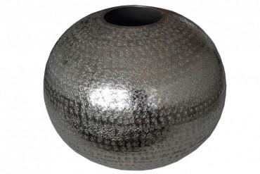 Vas Stenkumla. Silver hamrad aluminium med diamter 35 cm.