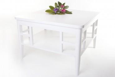 Soffbord Paris i vitlackerat trä. Vitt fyrkantigt vardagsrumsbord i shabby chic. Storlek: 80x80 cm.