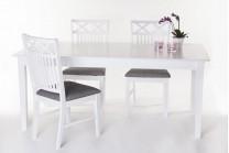 Matgrupp Sofiero. Vitt matbord med klaff och 4-6 stolar i lantligt stil. Storlek bord: 140x95 cm, höjd 75 cm.