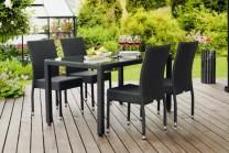 Möbelgrupp Atlanta med matbord i svart konstrotting och härdad glasskiva. Handflätad exklusiv konstrotting av Quató™-fiber!