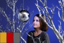 Snowball LED-kulor, 15 cm i färgerna guld, röd och silver. Julkulor med rinnande LED-belysning - skapa en känsla av snöfall inomhus eller utomhus! 1-pack.
