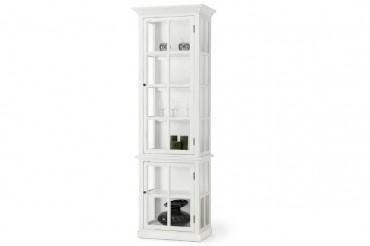 Vitrinskåp från serien Klinte. Smalt vitt vitrinskåp i lantligt Shabby Chic. Storlek: 67x43 cm.