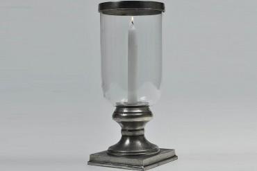 Lykta Dala. Metall och glas ljuslykta med avtagbar glaskuppa i antiksilver. Storlek: 34 cm.