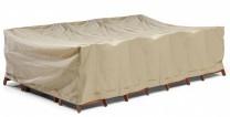 Möbelskydd till bord + 8 stolar i beige polyester. Mått: 350x225x95 cm