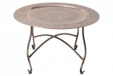 Soffbord Lycksta. Litet rund vardagsrumsbord med avtagbar serveringsbricka i antiksilver. Storlek: 80x46 cm.