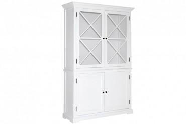 Vitrinskåp från serien Ljugarn. Vackert vitt vitrinskåp med kryss som andas New England! Storlek: 131x45 cm.
