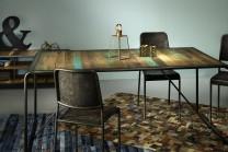 Matbord Skeppsvik av unikt återvunnet båtvirke. Köksbord  med plats för 4-8 stolar.Storlek: 180 cm.
