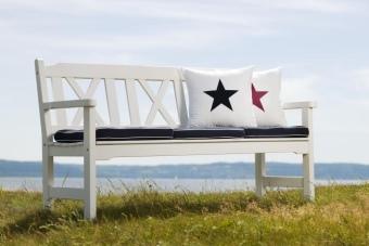 utesoffa-soffa-vit-parksoffa-visby-online.jpg