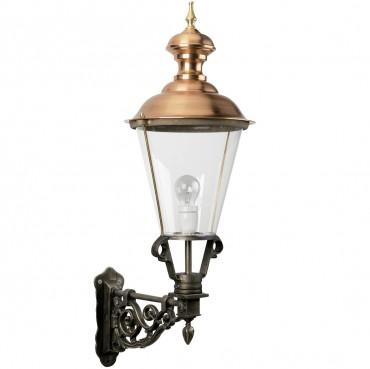 handtillverkad utelampa i koppar och brons. vägglampa i klassisk stil.