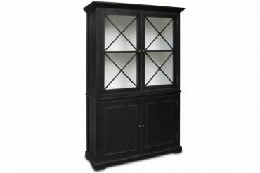 Vitrinskåp från serien Ljugarn. Vackert svart vitrinskåp med kryss som andas New England! Storlek: 131x45 cm.