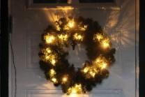 Krans Ottawa, julkrans med diameter 50 cm. Grankrans med 24 LED lampor. Fin dörrkrans med belysning!