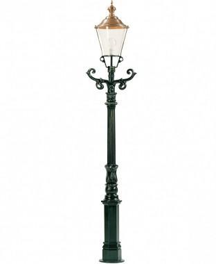 handtillverkad utelampa i koppar och aluminium. stolplykta i klassisk stil.